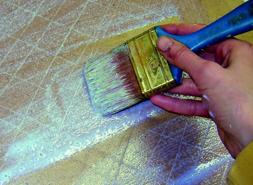 Grundierung mit der Marmorpulver-EM Paste