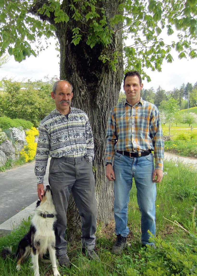 Links Andreas Frischknecht, der seit 2000 EM anwendet, rechts Adrian Menzi, der 2010 begonnen hat, EM einzusetzen. Beide nahmen an den 3-jährigen Feldversuchen teil.