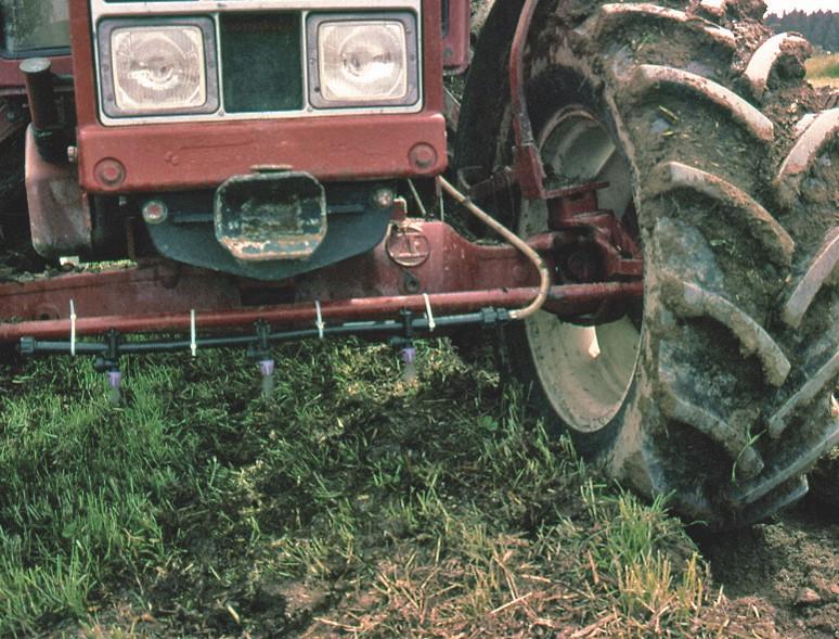 Sprühdüsen am Traktor für EMa