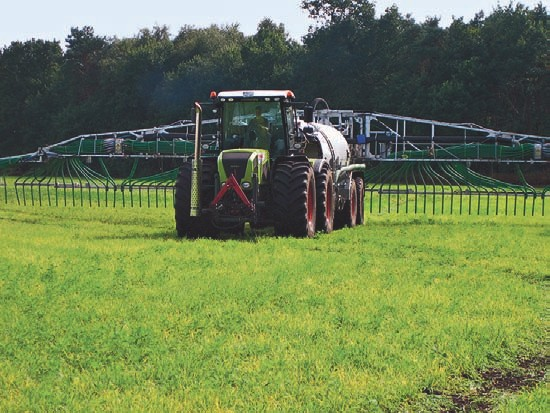 EMa aufs Feld – besonders effektiv mit fermentierter Gülle und moderner Schleppschlauchtechnik