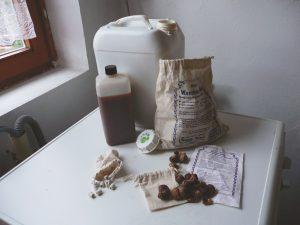 Ganz ohne Chemie: Waschnüsse, EM-Keramikpipes und EMa