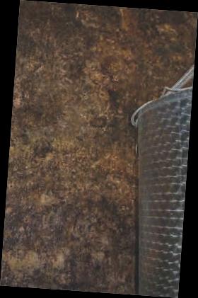Im Keller werden die feuchten Wände regelmäßig mit EM eingesprüht, um Fäulnis und Schimmel vorzubeugen und eine angenehme Kelleratmosphäre zu gewährleisten.