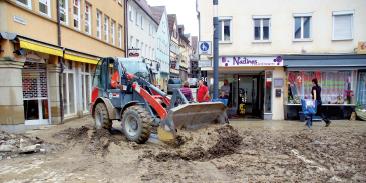 Künzelsau: Schlamm in der Innenstadt nach der Flut