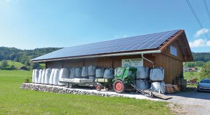 Solarzellen auf dem Dach sorgen für eine gute Ökobilanz