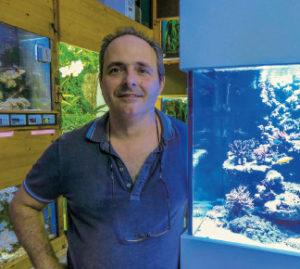 M. Russo in seinem Aquaristik-Laden in Winterthur